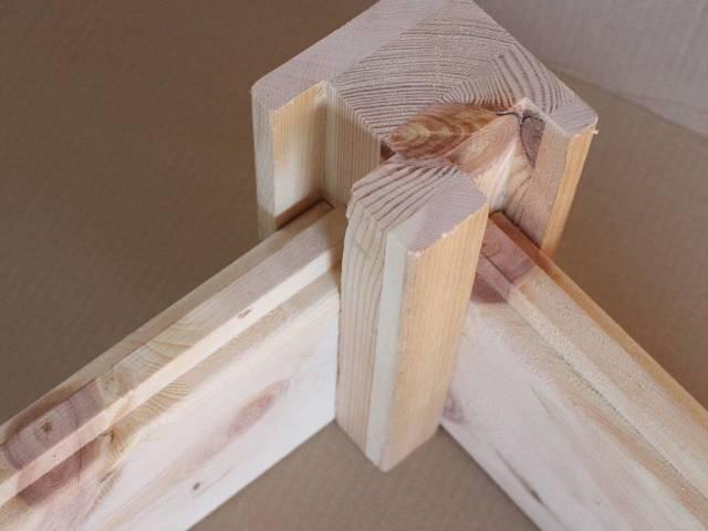 Ecksteher aus Zirbenholz 90x90mm
