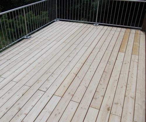 Dachterrasse in Lärchenholz gefertigt