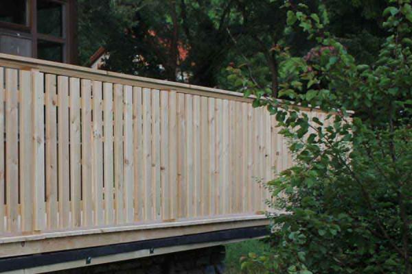 Gartenzaun aus Holz für Garten und Gartengestaltung