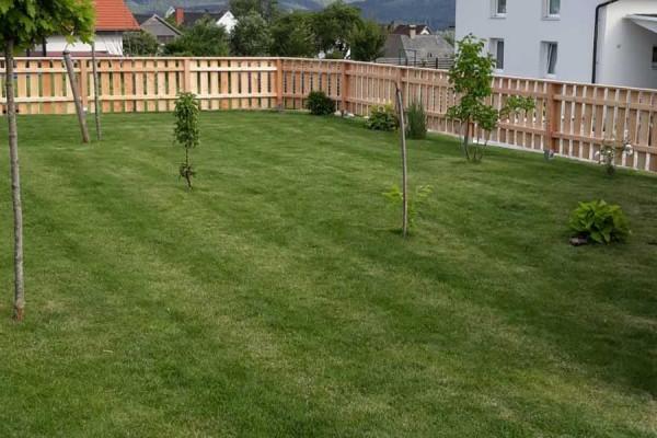Gartenzaun aus massivem Lärchenholz
