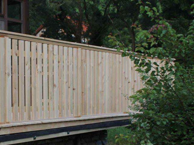 Geländer aus steirischem Lärchenholz