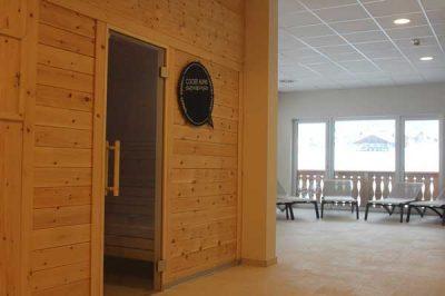 Sauna von Bauer Holz im Wellnessbereich der Cooee Alpin Sporthotels