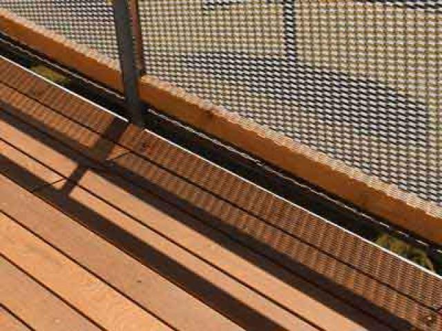 Terrasse aus Holz für Haus und Garten