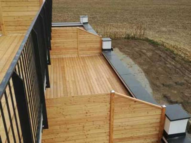 Terrassendielen aus Holz: Entdecken Sie unsere Holzterrassen