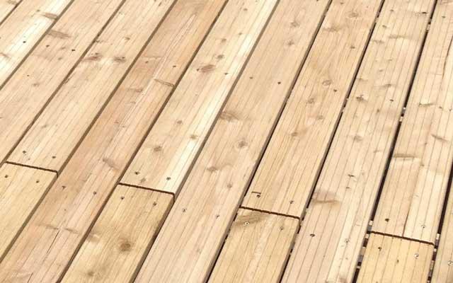 Terrassendielen aus Lärchenholz