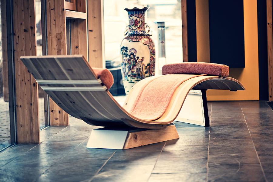 wohnzimmer relax liege h ngend. Black Bedroom Furniture Sets. Home Design Ideas